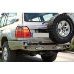 Toyota LC100 tagastange kanistri ja ratta hoidja võimalusega