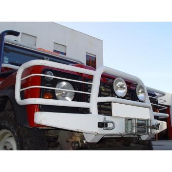 AFN Land Rover Def. 130 1994-... Esiraud